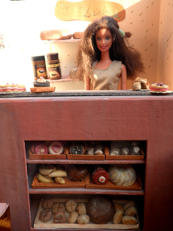 diy mini pečivo pro Barbie