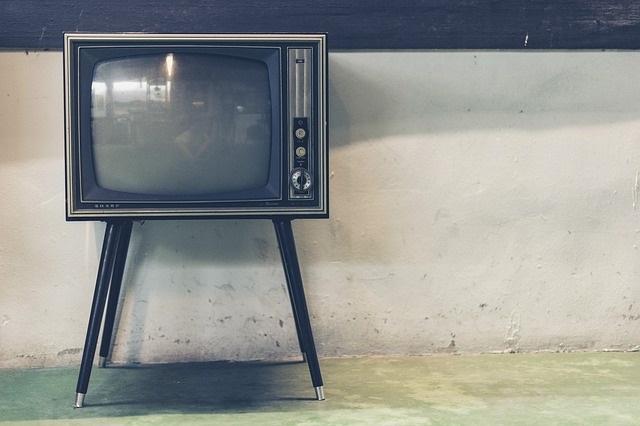 slušné filmy, seriály a pohádky